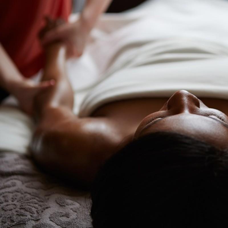 Succombez à ce moment gourmand avec ce massage au beurre de cacao • L'instant Bien-Etre