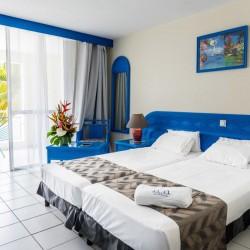 Séjour en duo avec Petit déjeuner à partir de 1 nuit • Canella Beach Hôtel : 2 pers 4J3N