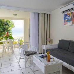 Séjour pour 3 ou 4 personnes avec Petit déjeuner à partir de 1 nuit • Canella Beach Hôtel : 3 pers 4J3N