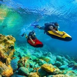 Découvrez les fonds marins en duo avec une randonnée de SEABOB • Karukera Seabob