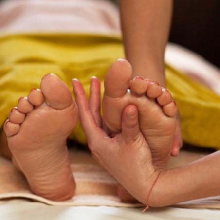 Beauté : Soin pieds avec Gommage, bain et enveloppement +...