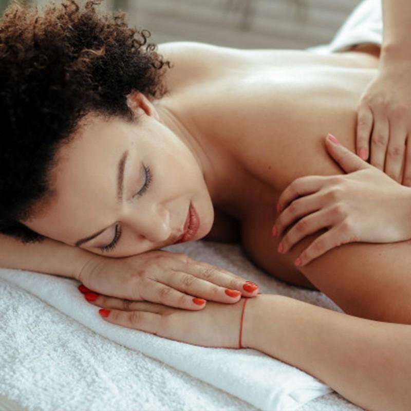 Faites une pause dynamique et relaxante avec ce soin traditionnel • Blue Azur Massage