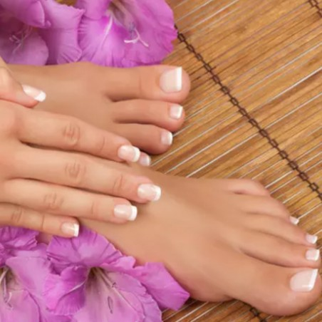 Beauté : Pose de vernis semi-permanent mains et pieds •...