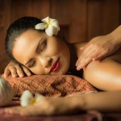 Lâcher prise avec ce massage Hawaïen Lomi Lomi • BLUENESS SPA