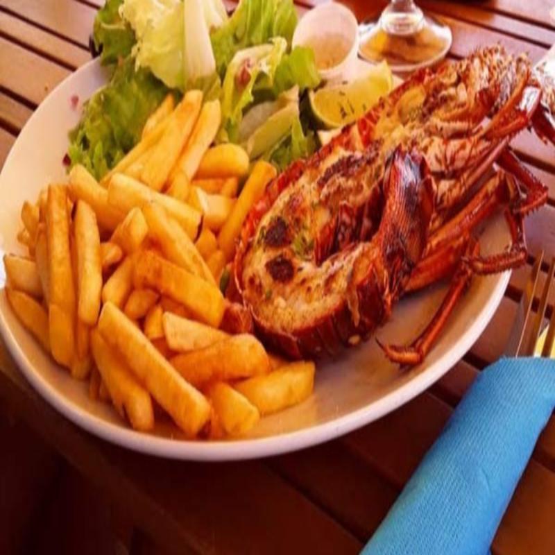 Votre formule gourmande langouste et cocktail • Restaurant Bliss Beach Bar