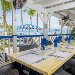 Séjour pour 6 personnes avec Petit déjeuner à partir de 1 nuit • Canella Beach Hôtel : 4J3N
