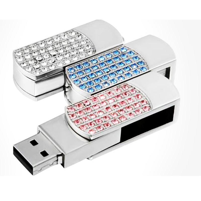 Votre CLÉ USB 16 Go ornée de cristaux de Swarovski • MYC Paris