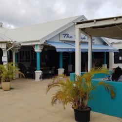 Journée détente avec Buffet Midi à volonté + Accès piscine • The Blue Kafé