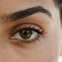 Testez la teinture sourcils au henné suivi d'un rehaussement cils • Féli'Spa