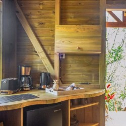 Le Nid des colibris : votre hébergement insolite pour 2 nuits en duo • Au Jardin des Colibris