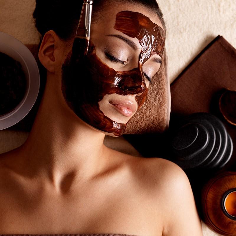 Soin gourmand relaxant au chocolat : visage, cou, nuque et décolleté • L'eau Reine Evasion