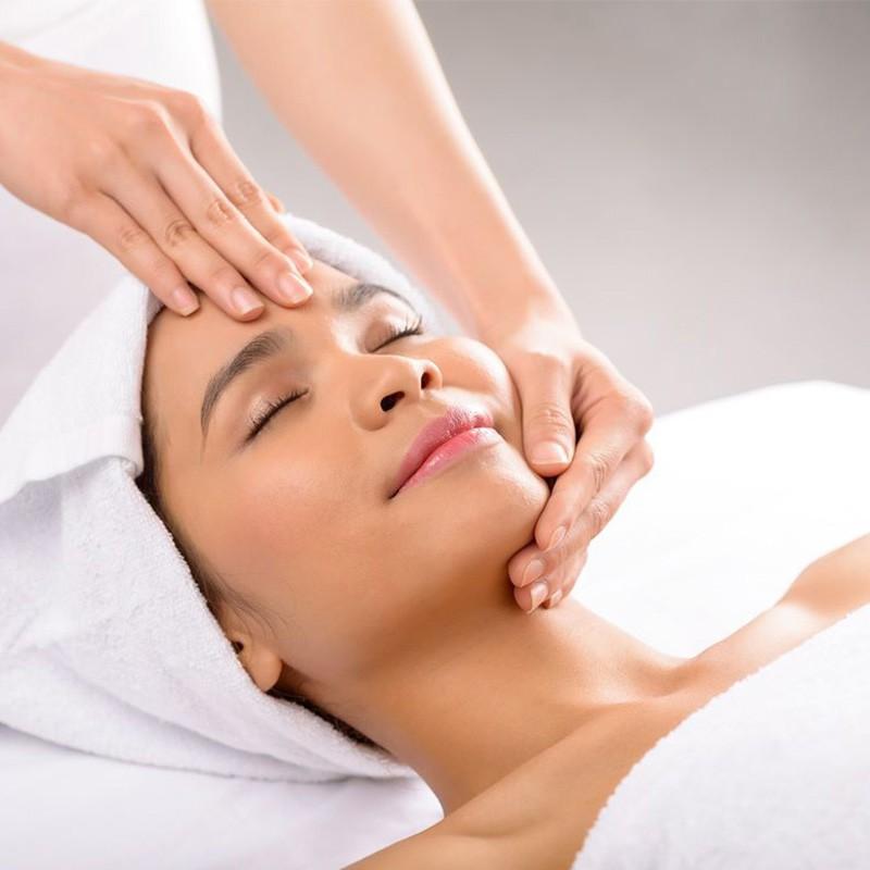 Escapade cocooning : soin visage et massage relaxant en solo ou en duo • Aurore Esthétique
