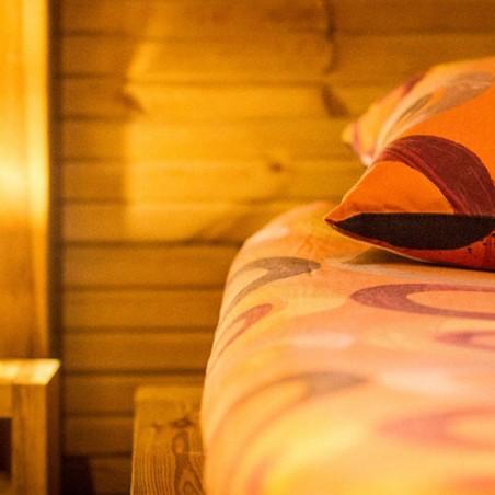 Cabane dans les arbres : votre hébergement insolite pour...