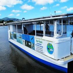 Excursion en bateau électrique solaire dans le grand cul de sac marin • GED-Excursions
