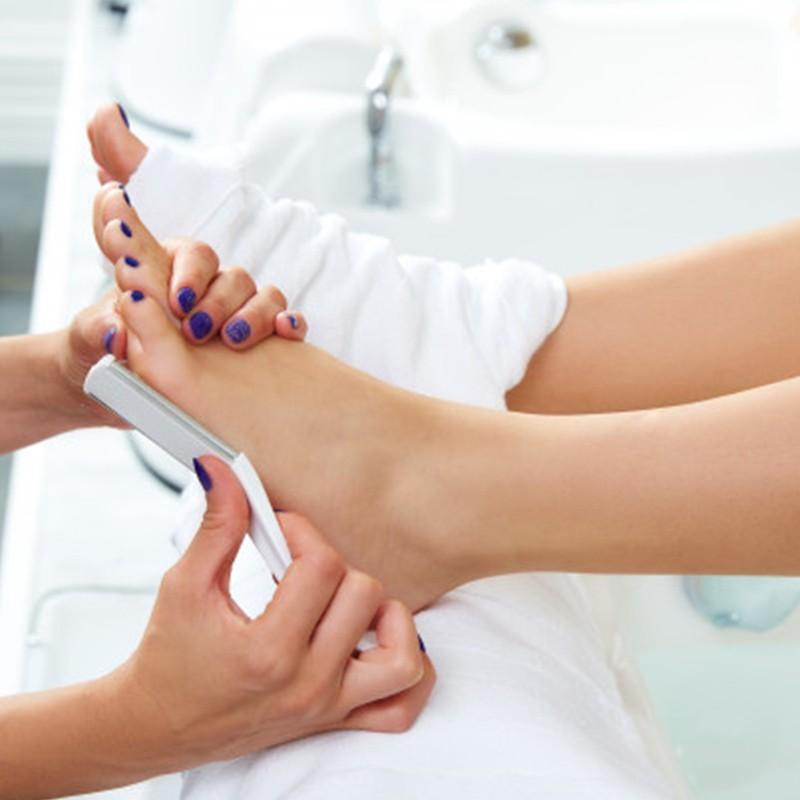 Soin anti callosités et soin des ongles pour de jolies pieds • L'Instant Bien-Être